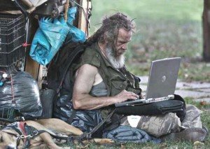 homeless-guy-and-computer2